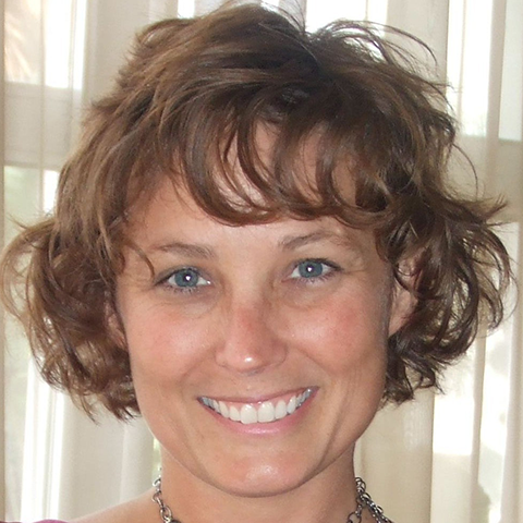 Jaden Rose Phoenix, internationally respected author, master teacher and alchemist, is founder of Alchemy Wisdom, a healing arts center focused on creating life-changing transformation for clients.