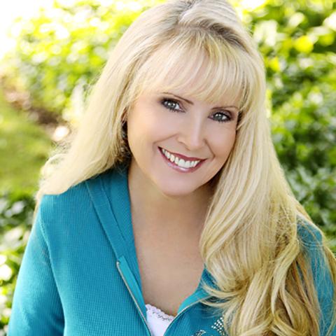 Melinda Lee