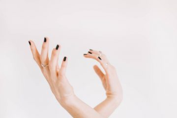 Know Your Personality, What Biting Your Nails Reveals