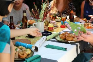 How To Stop Binge Eating Through The Holiday And The New Year