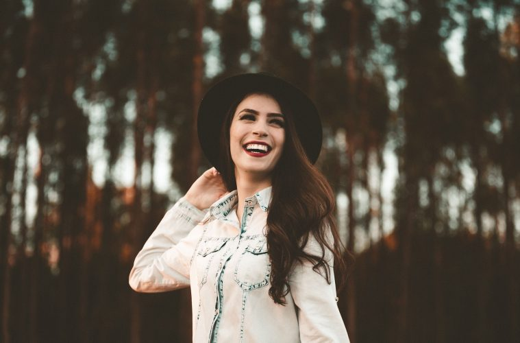 7 Things Truly Happy People Don't Care For That Keeps Them Smiling