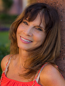 Julie Renee Doering's headshot